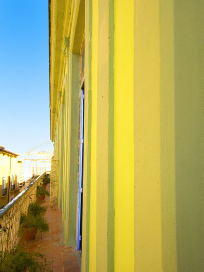 La Habana vieja, Cuba La Habana Vieja Paint The Town Yellow Architecture Building Exterior Built Structure Day Yellow