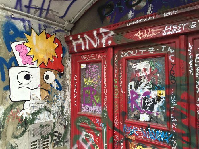 Make8 & Sope Berlin Streetart Friedrichshain UrbanART Streetphotography SopeStreetArt Make8 Weihnachten 2015  Photo by Sputnika