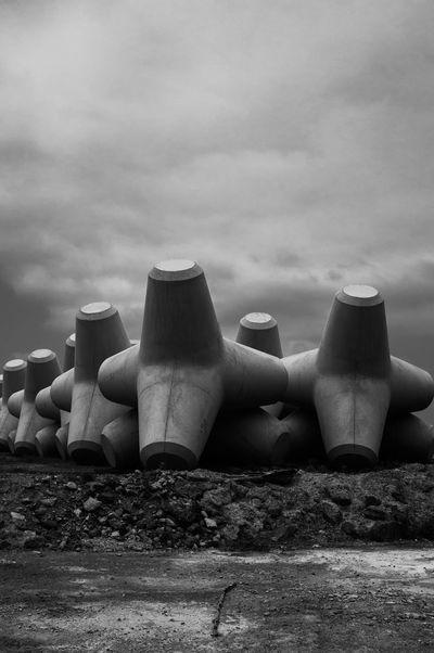 Art Blackandwhite Japan Monochrome Streetphotography Tetrapod Phtographer EyeEmBestPics Black And White Helloworld Snapshots Of Life スナップ写真 Artな写真 モノクロ 写真家 福井県 日本 スナップ