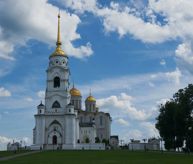 Assumption Cathedral @Vladimir *Peaceful and quiet* Photoshoot Blue Sky Peaceful Peace And Quiet Life Russia EyeEm EyeEmNewHere Russia россия Ancient Ancient City Ancient Building