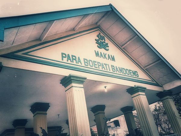 Makam Para Boepati Bandoeng... History Karuhun Sunda Sejarah