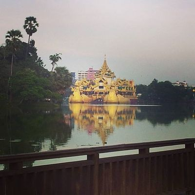 Golden replica of a Burmese royal barge on Kandawgyilake . Karaweik Kandawgyi InlayLake Yangon Rangoon Myanmar Burma Travelshots Everydayasia Travelphotography Lakeside Travelawesome Travelingourplanet VSCO Feel The Journey