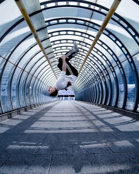 Defying the laws of gravity! Flip Gritty Moodygrams Moodyphotography Streetphotography First Eyeem Photo