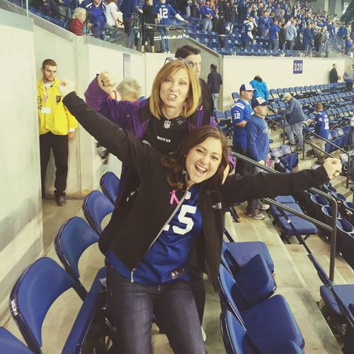 A huge win against baltimore.... And my mom is a huge fan of Ravens. Wahooo! Cheering Football Motheranddaughter