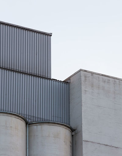Architecture Building Exterior Built Structure Factory Geometric Shapes Industrial Building  Industry Low Angle View Minimal Minimalism Minimalist Architecture Minimalobsession Pattern, Texture, Shape And Form Shapes And Forms Still Life Storage Storage Tank Urban Exploration Urban Geometry The Architect - 2017 EyeEm Awards The Graphic City