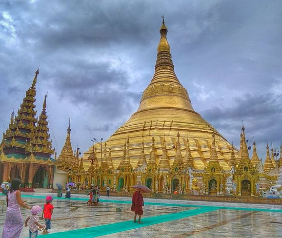 Lost In The Landscape Pagoda Ancient Religion Architecture Travel Destinations Yangon, Myanmar Smartphonephotography Smart Phone Smartphone Photography In Yangon EyeEmNewHere The Week On EyeEm The Week Of Eyeem The Week On EyeEem Shwedagonpagoda Shwedagon Pagoda Shwedagon