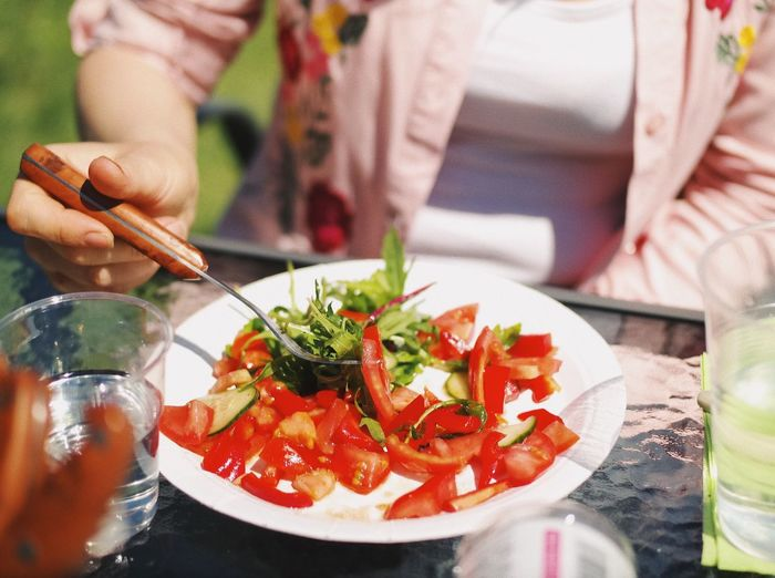 Healthy colors... Food And Drink Food Table Freshness Human Body Part Healthy Eating Lifestyles Plate Ready-to-eat Colorful Salad Summer Food Summer Healthy Food Human Hand Food And Drink Details Of My Life VSCO Party Family Fun Tasty Delicious Yummy Vegetarian Food Vegetables Sommergefühle Food Stories