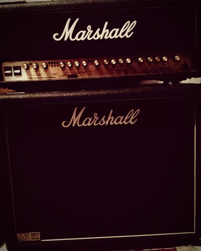 Marshall Amp 80's Style British Class loudness...
