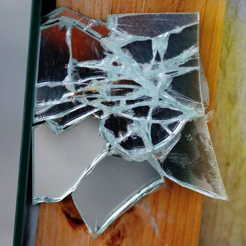 Brocken Broken Glass Broken Mirror Glass - Material Taking Photos Vandalism Vandalism Brocken Wood - Material