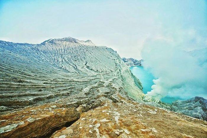 Crater of ijen.. Turqois lake Ijen Crater Acid Lake World Largest Mountain Nature Sulfur  Adventure INDONESIA Instagoodmyphoto