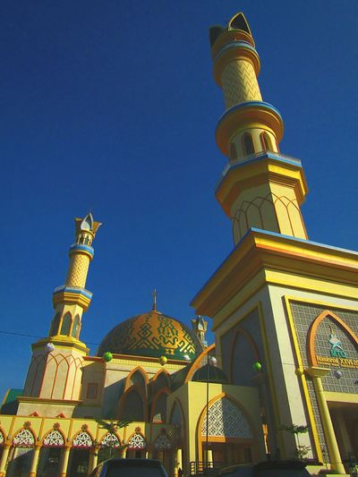 Islamic center Mosque of West Nusa Tenggara Religion Architecture Travel Destinations History Spirituality Sky Clear Sky Building Exterior Day Outdoors City