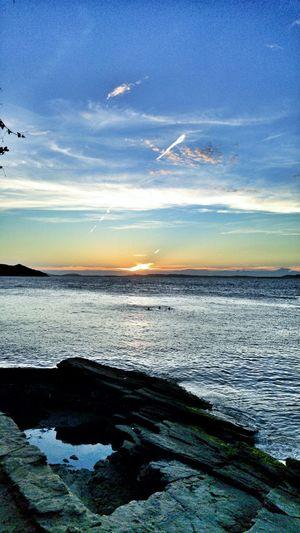 😊 Horizon Over Water Sky Sea Sunset Beach Eye4photography  Naturezaperfeita Brasil Lg G4 Photography Mobile_photographer Tadaa Community Photo Of The Day Buzios EyeEm Nature Lover Lindo  Paradise Beach Sunset_collection Like4likes Stravaphoto