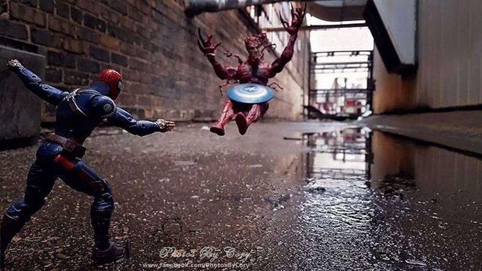 Better edit of Capt. Spiderman fighting Carnage. Fwebruary Day Captspider Captainspiderman Carnage Spiderman Ttp_heroesandvillains Toptoyphotos