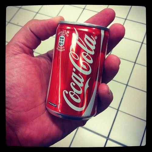 Coca cola mine de lata.