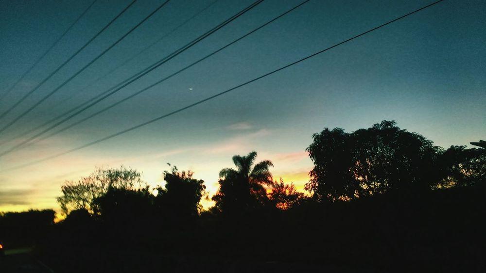 Atardecer. Hello World Amazing View Home Night Last Sun