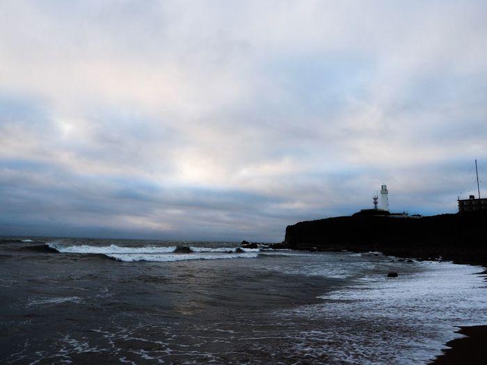 で、思いっきりカンが外れた朝☁️ Sea Sky Water Cloud - Sky Nature Beauty In Nature Beach Horizon Over Water Scenics Wave Outdoors Tranquility Tranquil Scene Sand Power In Nature Lighthouse Architecture Olympus OM-D E-M5 Mk.II