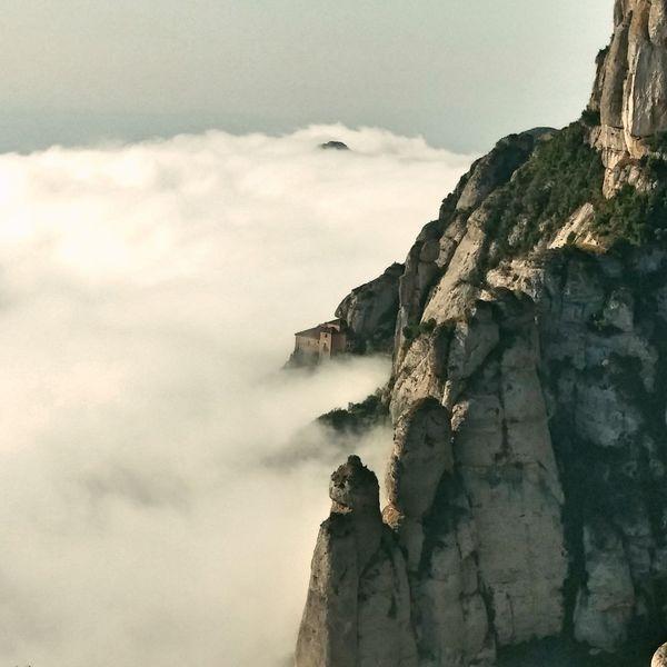 Montserrat mountain and foggy Montserrat Foggy Catalunya Catalunyaexperience Catalunyagrafias Catalunyaexperiencie