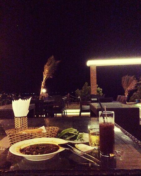 Biển đêm 🌊💦💨🌭🍝☕️