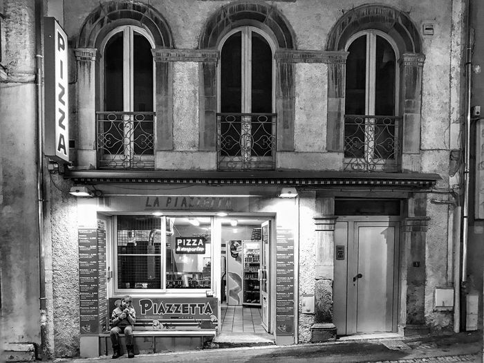 Piazzeta 😀 Photooftheday Atlantic Pyrenees France Travel Destinations Building Exterior Tourist IPhotofr Iphoneonly Iphonephotography Mobilephotography EyeEm IPhoneography Outofthephone Iphonographie IPhoneography Winter Architecture Illuminated Bareges Bnw Blackandwhite Snapseed Tranquility Moment