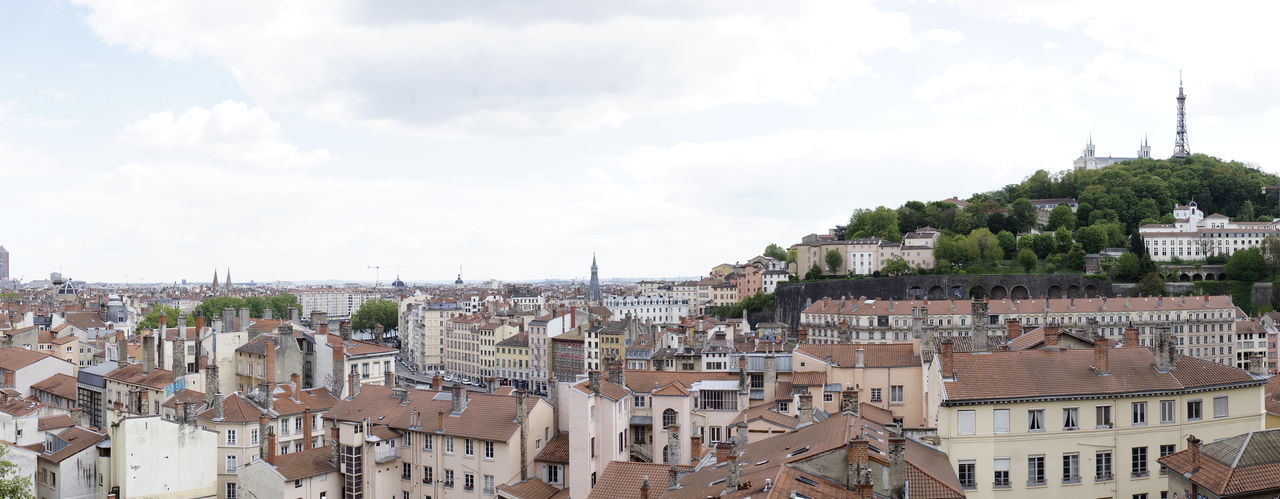 Lyon Frankreich France Architecture Building Exterior Built Structure City Building Residential District Town Sky Crowd Cityscape Day Roof Nature Crowded Community Outdoors Tower Cloud - Sky House TOWNSCAPE Spire  Erntedank Erntedankfest