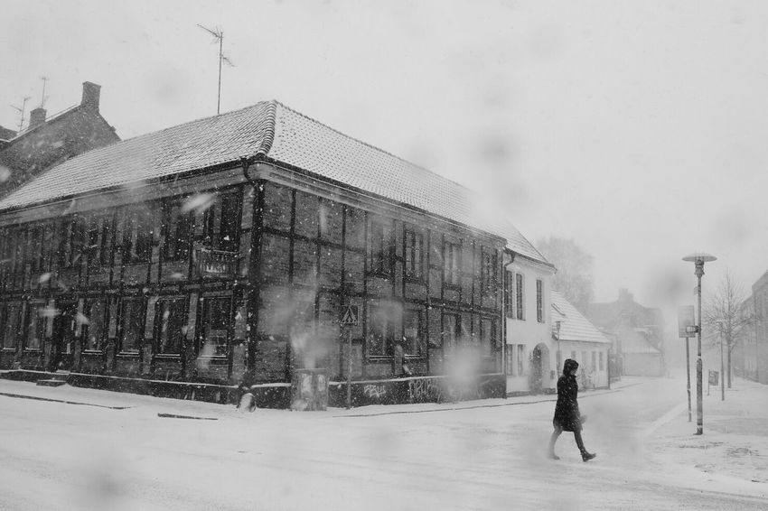 Built Structure Architecture Building Exterior Motion Real People Winter Snow Cold Temperature Outdoors