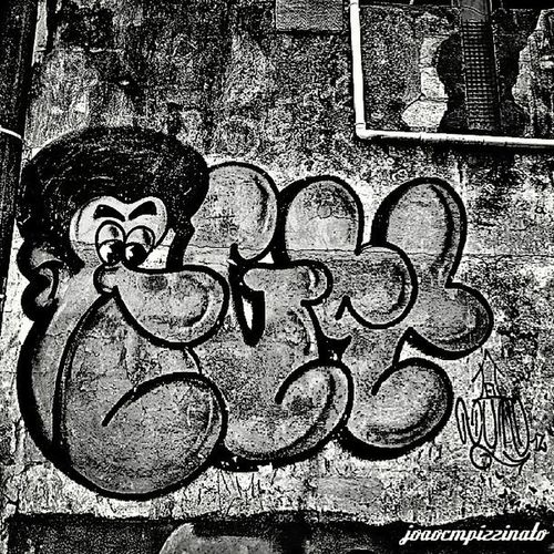 Graffiti Graffitiart Streetart Ig_contrast_bnw Amateurs_bnw Bnwmood Bnw_kings Bnw_planet Bnw_captures Top_bnw Paulistanobw Bnw_lombardia Instapicten Top_bnw_photo Flaming_abstracts Mundoruasp Olhonaruasp Streetphoto_brasil
