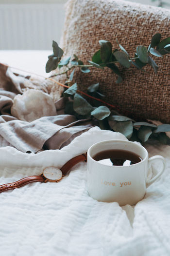 Lifestyle decoration 1 Art And Craft Bed Close-up Cup Drink Floral Pattern Focus On Foreground Food Food And Drink Freshness Furniture Home Interior Indoors  Linen Mug No People Refreshment Still Life Table Textile White Color