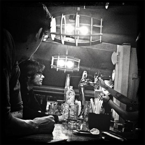 Enjoying Life Beer Black And White Stree Photography #chelita #domingo