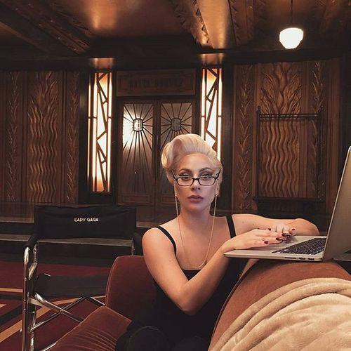 Lady Gaga multi task, finalizando seu trabalho como editora da ediçao de janeiro da Vmagazine enquanto está no set de gravação de AHSHotel . @Regrann from @ladygaga - On deadline as Guest Editor for @vmagazine Photographers, writers, stylists, hair, makeup, models, and artists...Were going to print🏆! Regrann