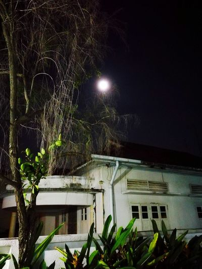 Old Buildings Night Building Exterior Outdoors Architecture Moon Sky Old House No People Moon Moonlight Fullmoon FullMoonLight Fullmoon At The Sky FullMoonNight Fullmoon Nite Fullmoon And Clouds