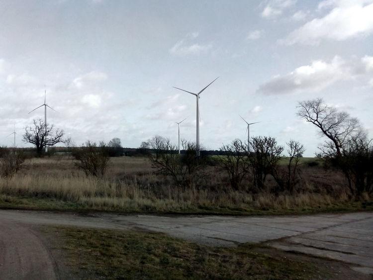 ways crossing Uckermark Wind Turbine Wind Turbines Wind Turbines Field Wind Turbines On A Field Windrad Windräder