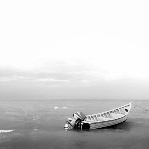 White Simplicity Sea Iphoneonly IPS2016White IPhoneography Minimalism Simple Photography Water Blackandwhite Black And White Boat Sky Water