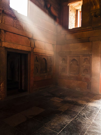 India Agra Fort Architecture Built Structure Indoors  No People Flooring Building History The Past Old Door Entrance Ancient Travel Destinations Day Religion Architectural Column Window Empty Tiled Floor Ancient History
