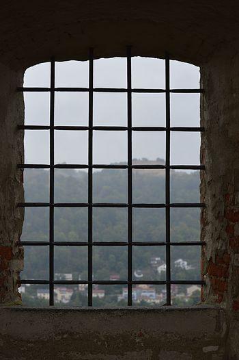 Window Indoors  Sky Day Geometric Shape Sea Window Frame Cloud - Sky Cloudscape No People Gitterfenster Ausblick Aufs Land Landschaft