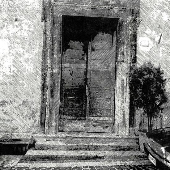 Doors, the older the more beautiful. what's behind this door? Door Doorporn Old Door Painterly Artphoto Rome Rome Italy Black & White Mobile Art