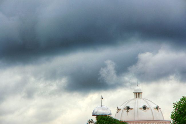 Cloudy... Dome Mosque Clouds Clouds And Sky Cloudy Eye4photography  EyeEm Gallery EyeEm Indonesia EyeEmIndonesiaKu EyeEmIndonesiaCommunity Travelensa