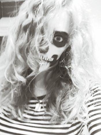 yay I'm scary :3 Halloween
