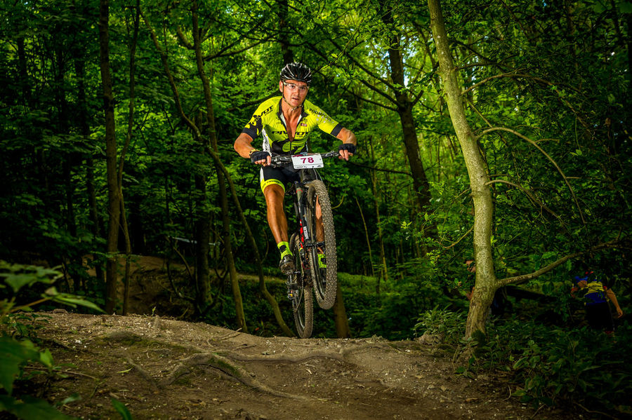 MTB Jump Athlete Event Jump MTB MTB Biking Mountain Bike Trails Trees Adult Adventure Enduro Racing Enduromtb Forest Groups Mud Muddy Outdoors People Skills  Style Team Sport Tree Woods