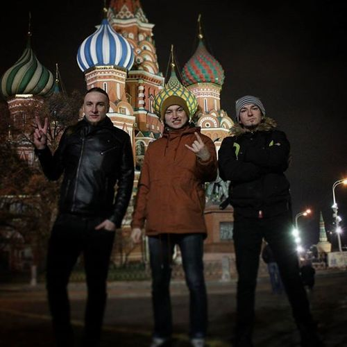 Концерт прошел отлично. В Москве есть на что посмотреть, хорошо погуляли. Innoend Innoendband Russia Kazan Alternative Rock Lovelyrabbit Bittour казань Moscow Москва чтотопошлонетак