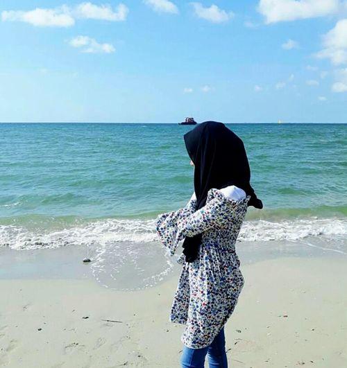 Potraits Myself Sea Sand Vacations Day Water Leisure Activity Outdoors Lifestyles Lotoffun Myphotos Lovenaturesbeauty Breathtaking View Place Of Heart The Portraitist - 2017 EyeEm Awards