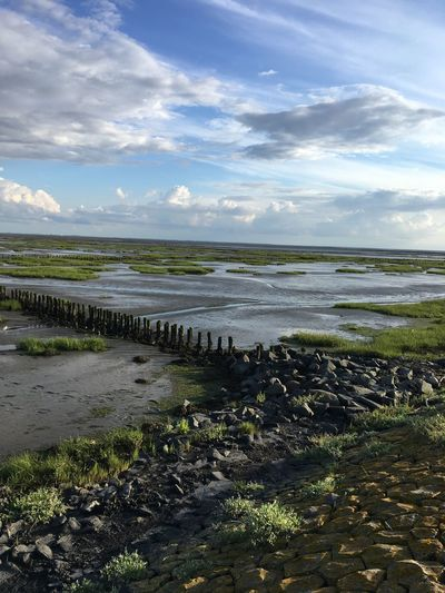 beautiful landscape - 🇩🇪North Sea First Eyeem Photo Lost In The Landscape Lost In The Landscape GERMANY🇩🇪DEUTSCHERLAND@ Salty Water Clouds And Sky Rocks Second Acts