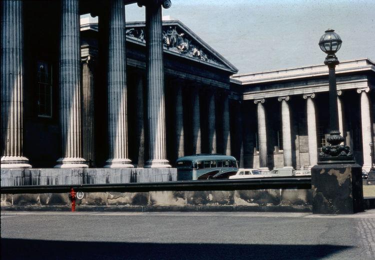 Analogue Photography Columns Composition Famous Place Kompositionen Low Angle View Slide Film Vintage Cars Ballade Peugeot