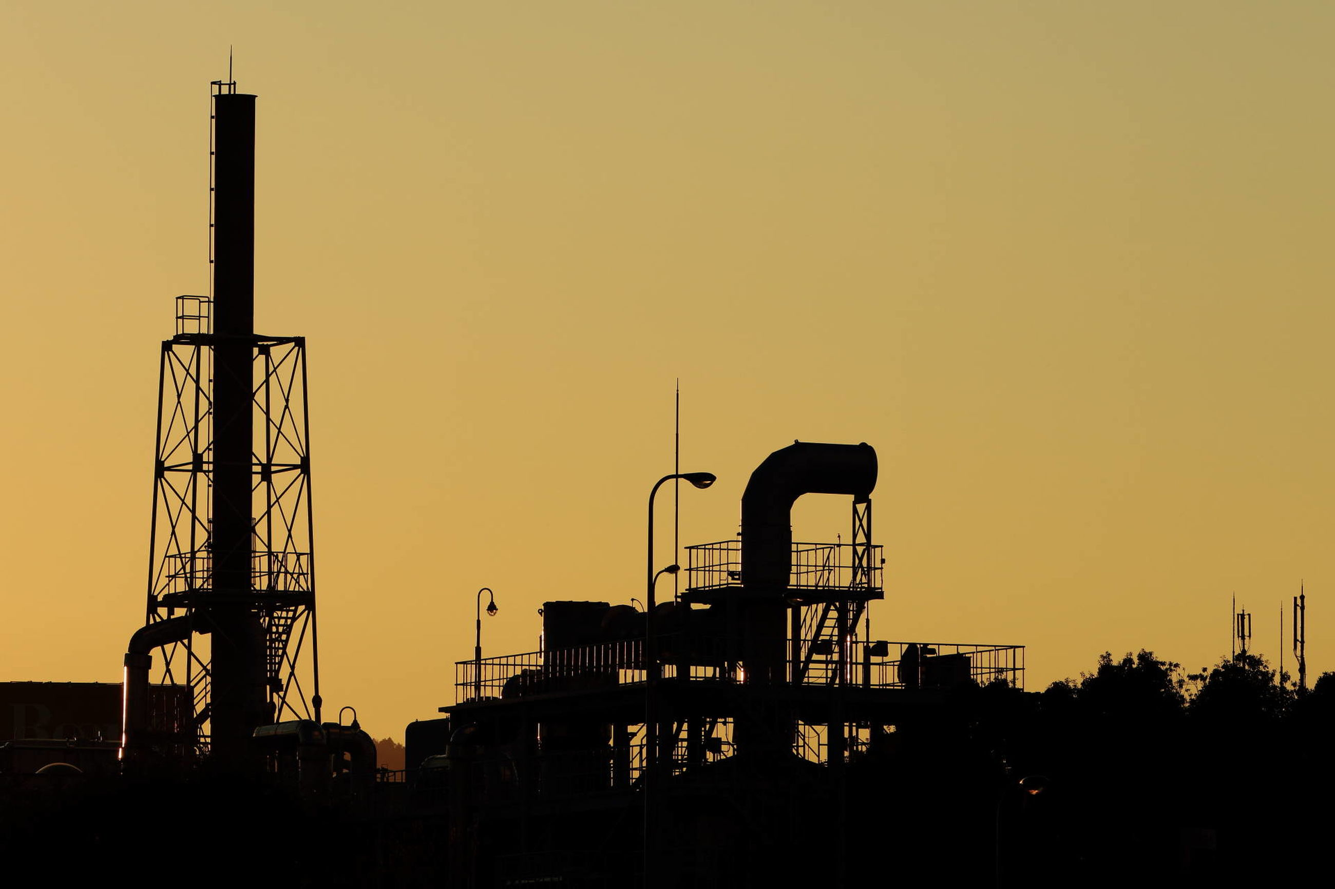 industry, sky, sunset, architecture, factory, built structure, nature, fuel and power generation, machinery, silhouette, building exterior, no people, construction industry, outdoors, development, low angle view, copy space, industrial building, crane - construction machinery, orange color, industrial equipment, construction equipment