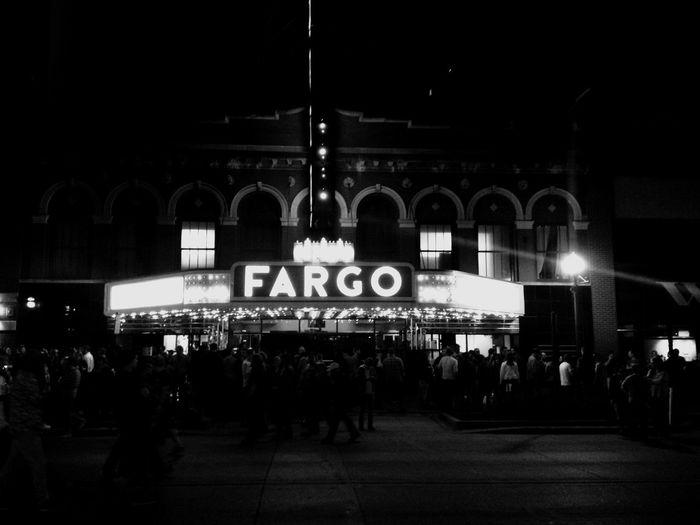 QVHoughPhoto Fargo Northdakota Fargotheatre JackWhite Concert Streetphotography Blackandwhite IPhoneography IPhone4s Downtown Streetphoto_bw