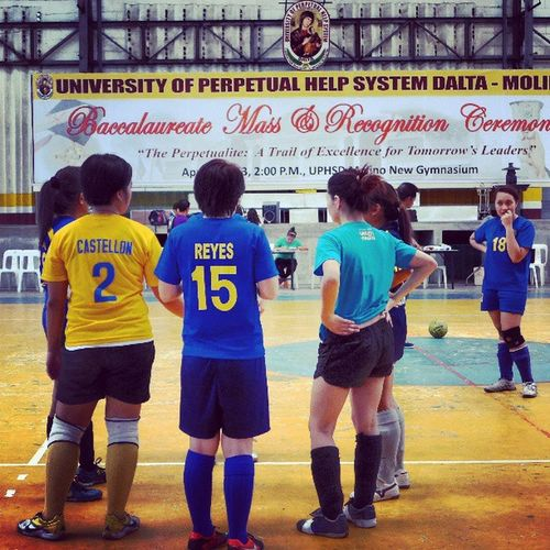 Team talk. Whaddup @jonemarie ? :)) Futsal Mcalumni