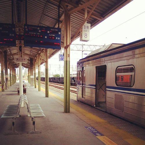 ?好久沒在這樣的早晨🌅 搭火車…🚥