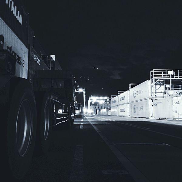Container Crane Truck EyeEmBestPics EyeEm Best Shots Eye Em Around The World Truck EyeEm Hanging Out Monochrome Blackandwhite