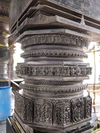 can't believe the architecture of the pillar of 1000 pillar temple Stack Business Finance And Industry Ancient Religion Wealth Close-up Architecture Built Structure Building Exterior Place Of Worship