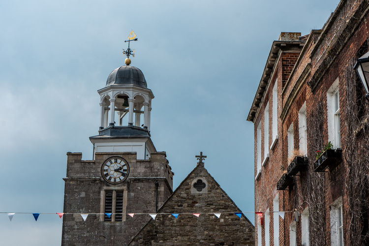 another shot from Lymington, this time in the city centre. lovely town Travelling Travelling Photography Streetphotography Architecture City Clock Clock Tower Place Of Worship History Clock Face Blue Religion Sky Bell Tower - Tower Church Bell Tower Bell Tower