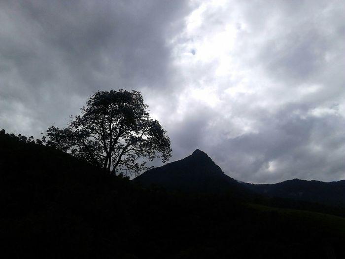 Montanha Serradamantiqueira Entardecer Dia Nublado
